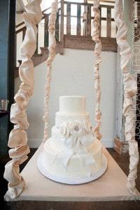 chandelier-cake4_aaron-paul