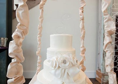 chandelier-cake4_aaron-paul
